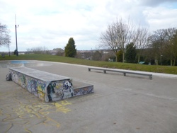 Arnold_Bowl_Skatepark_Rail_Ledge_Nottingham