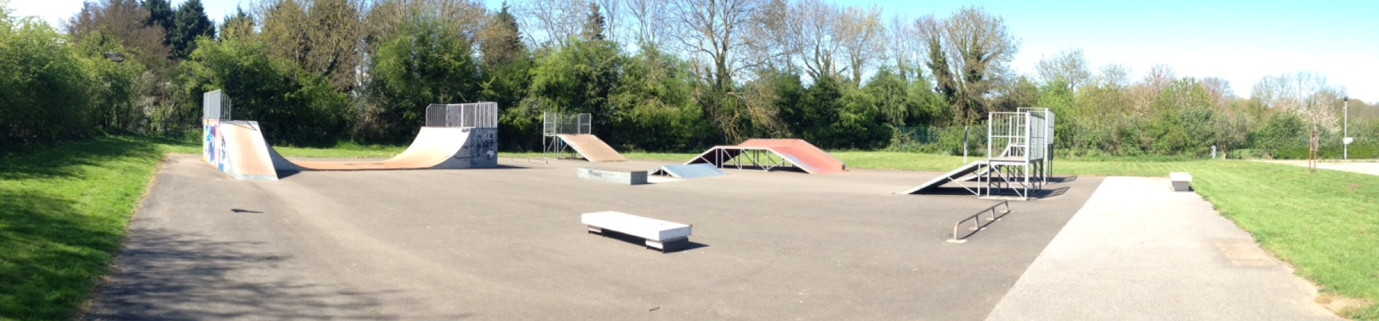 Southwell outdoor skatepark nottingham image one showing the street area.