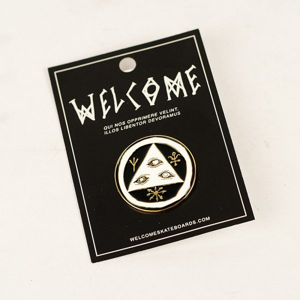 welcome lapel pin badge white-black