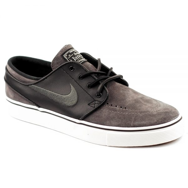 Nike SB OG Stefan Janoski in midnight fog suede with black leather side panels.