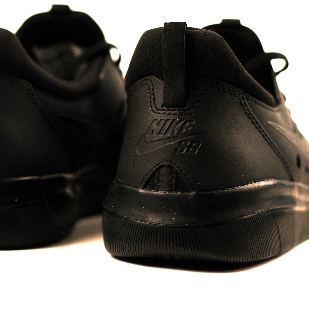 Nike SB Nyjah Free Black-Black - Forty