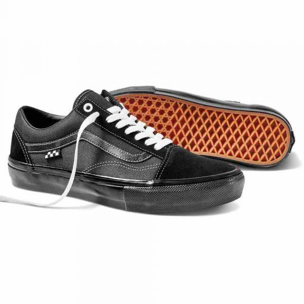 image showing a pair of the new Vans skate old skool skate shoe in black tee tuff